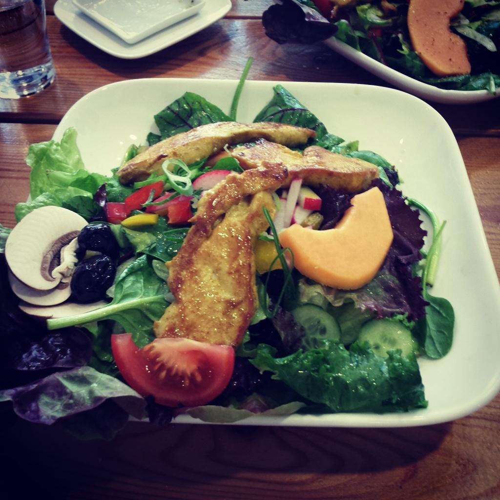 5 Wochen Fit Challenge - Salat mit Vinagrette und gegrilltem Hähnchenbrustfilet