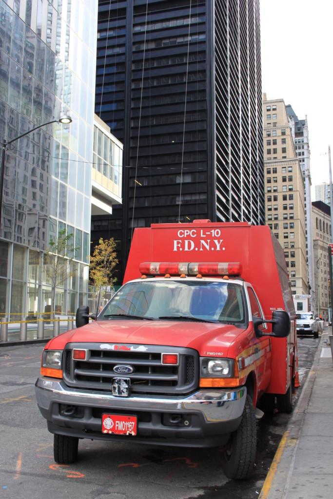 USA Rundreise - New York - 9/11 Fire Deaprtment Fahrzeug