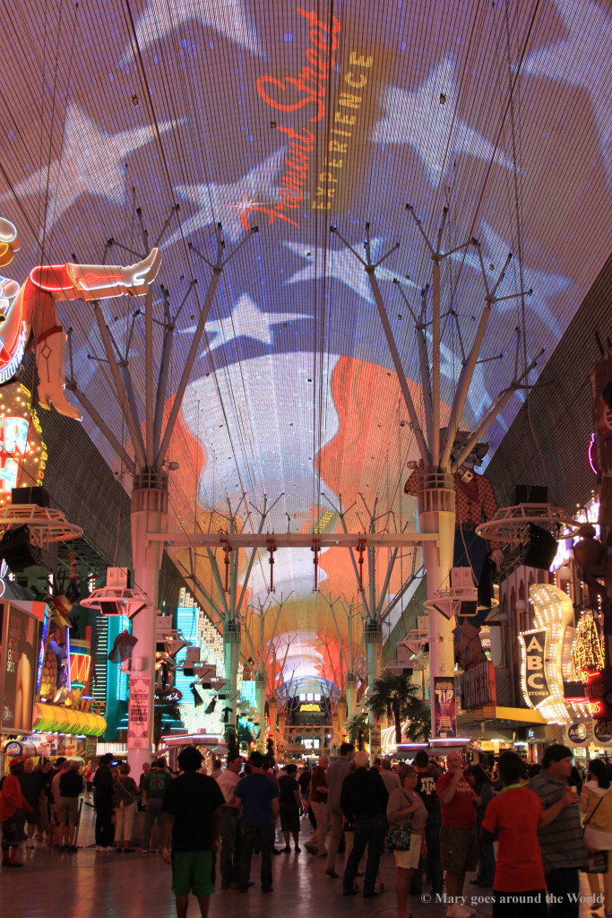 USA Rundreise - Las Vegas und Yosemite Nationalpark - Freemont Street