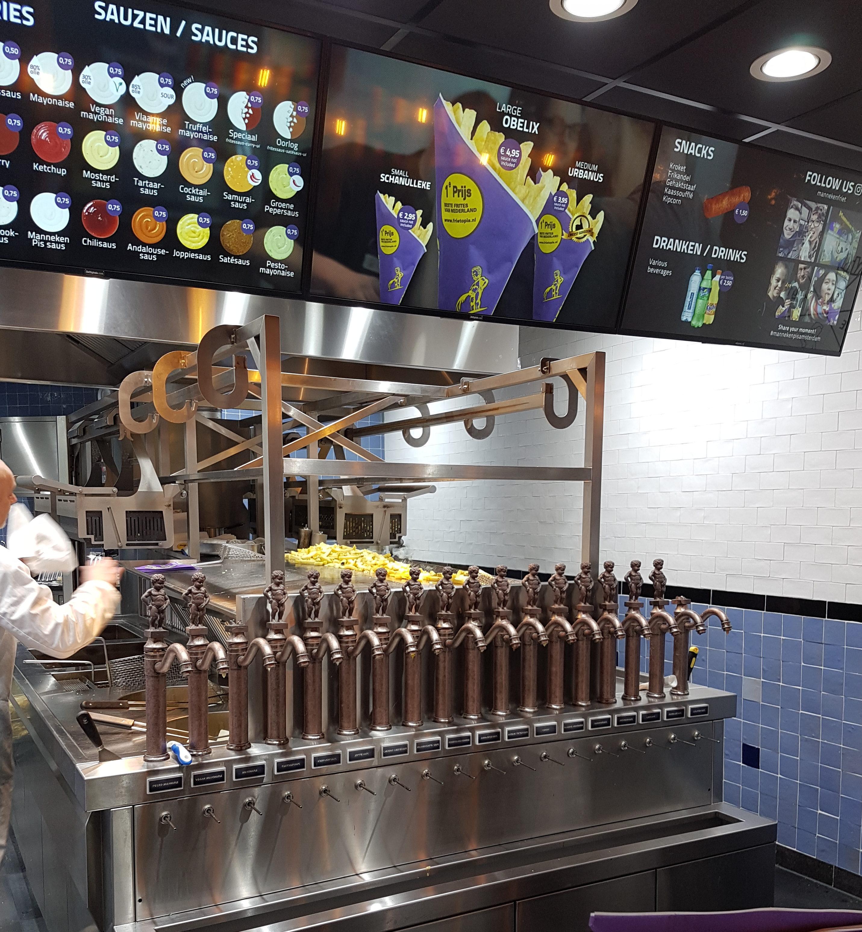 Food Diary - Amsterdam - Manneken Pis Pommes Frites