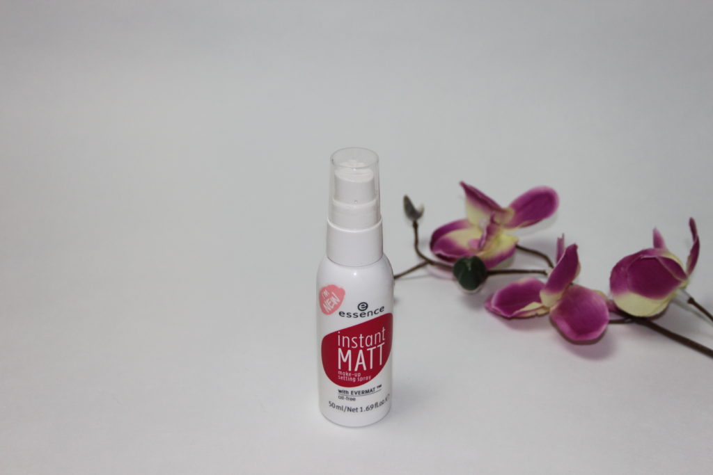 MakeUp Setting Sprays im Vergleich - essence Instant Matt Make-Up Setting Spray