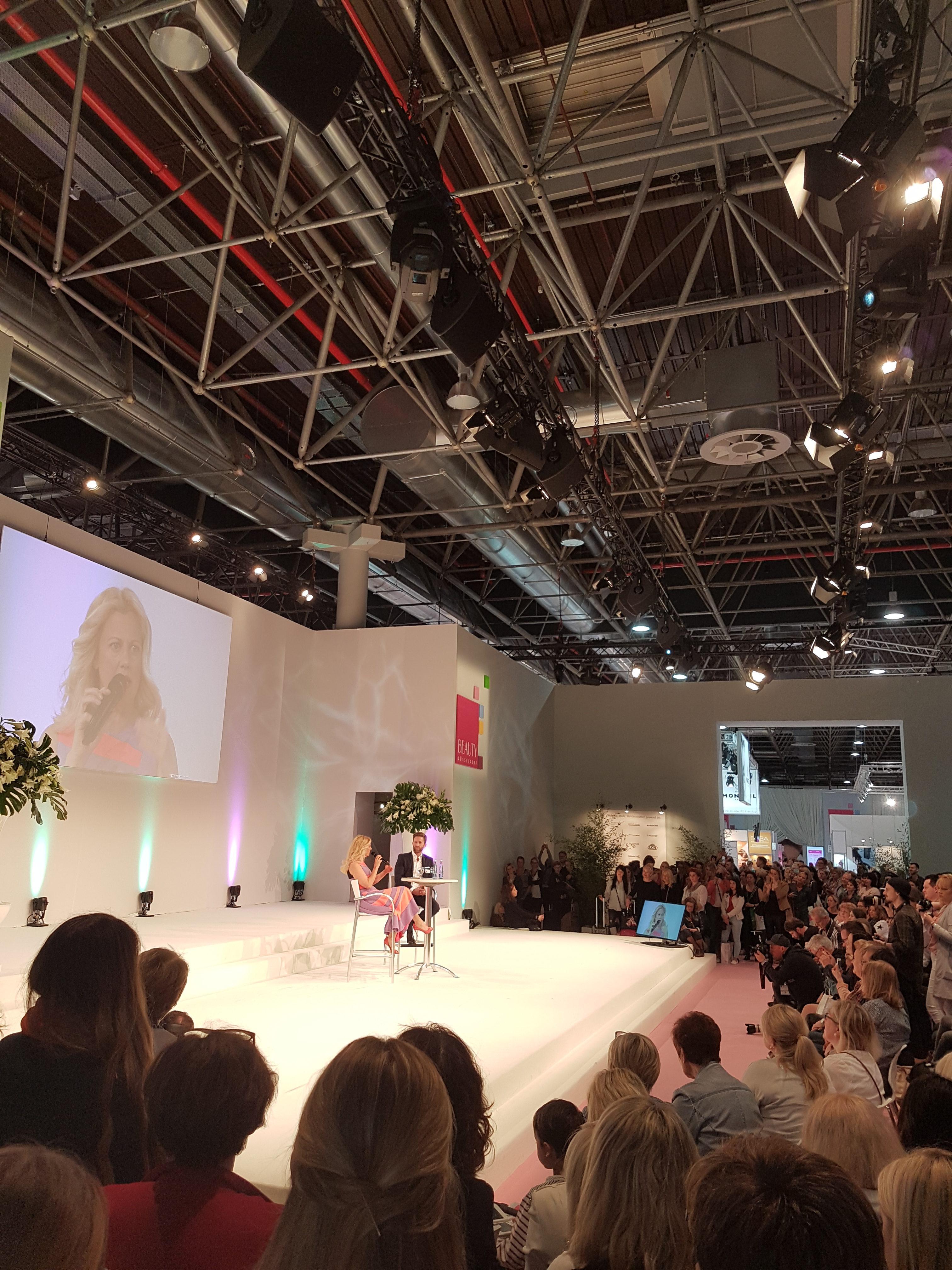 Beauty Messe 2017 in Düsseldorf - Barbara Schöneberger