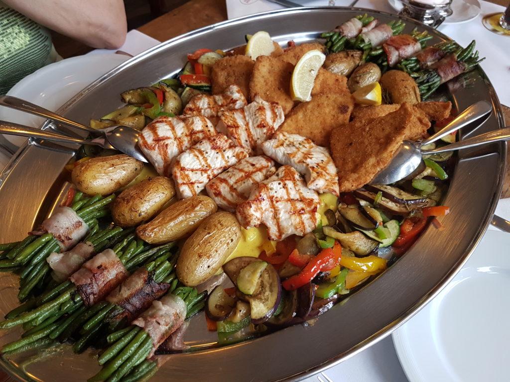 Wochenrückblick 22/ 2017 - Putenschnitzel und Putenmedaillons mit Drillingskartoffeln, Prinzessbohnen, mediterranem Gemüse